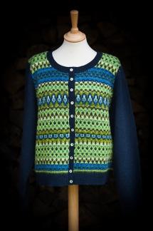 Scilla pullover cardigan Bohus Stickning - Scilla bf blå ull jumper/kofta kit