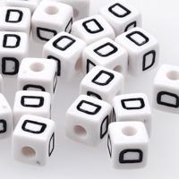 Vita bokstavspärlor kub 10mm *D*