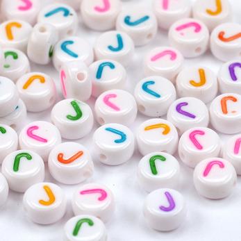 Bokstavspärlor vit-färg *J*