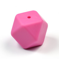Kantig silikonpärla, 18mm, cerise
