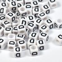 Vita bokstavspärlor kub 6mm *D*
