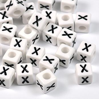 Vita bokstavspärlor kub, 8mm *X*