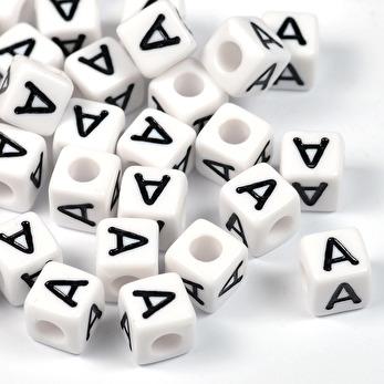 Vita bokstavspärlor kub, 8mm *A*