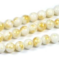 Jade pärlor, vit med guldstoft, 6mm