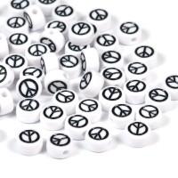 Vita pärlor med peace-tecken