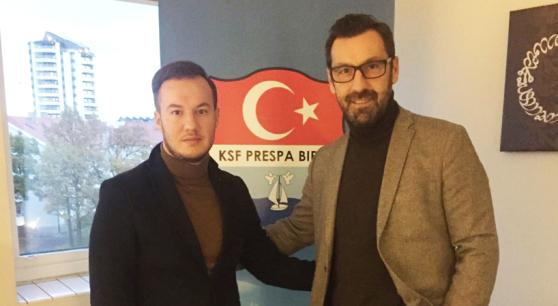 Ercan Kerim, ordförande. Zlatan Nalic (t.h), ny tränare i Prespa Birlik.