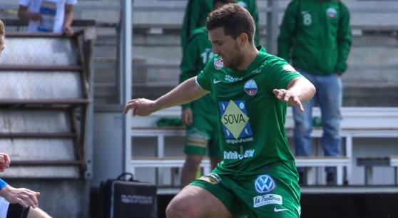 Labinot Harbuzi i PB-tröjan säsongen 2013.