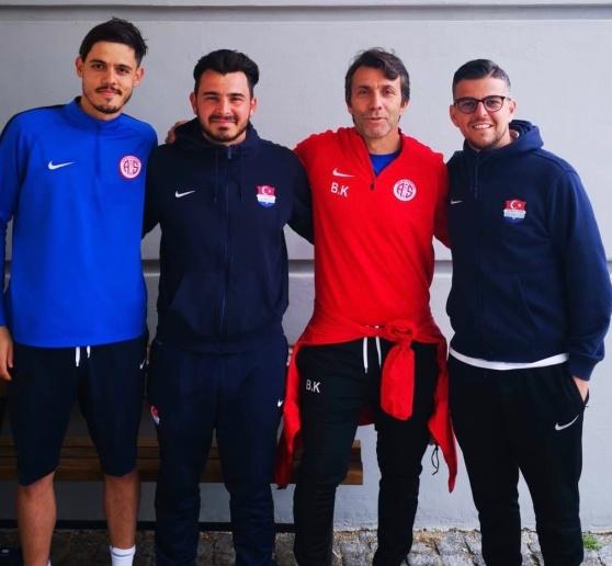 Fr. v: Bahadir Özturk, Adem Özay, Bülent Korkmaz, Nesat Spahiu.