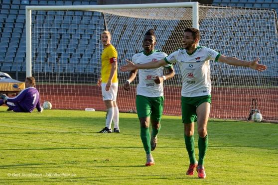 Foto: Gert Jacobsson,www.fotbollsbilder.se. Omar Khattab firar sitt mål mot IFK Malmö från säsongen 2018.