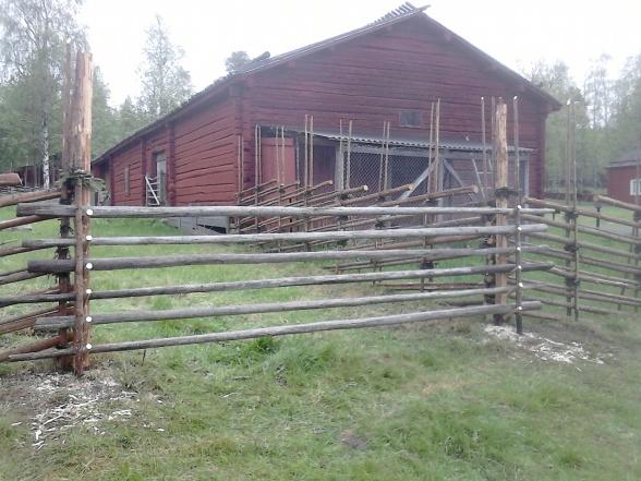 Vi bytte även stolpar till öppningen.