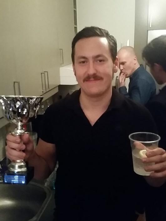 Joakim Dahlgren vinner priset Årets Medarbetare efter att ha visat stort engagemang i föreningen under säsongen.