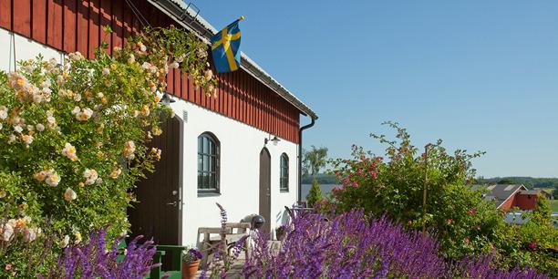 Handikappanpassat boende på gårdshotell Stakaberg norr om Halmstad