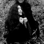 John_Lennon_and_Yoko_Ono_Capes_Ethan_Russell_1968_2048x2048