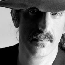 LYNN GOLDSMITH Frank Zappa-Fedora