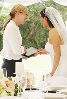 Bröllopskoordinator och brud