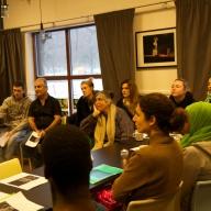 Samtal om Exil med Elmira Arikan och deltagare fr Kvinofolkhögskolan