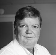 Medicinskt ansvarig,  konsultläkare Dr Pelle Bergentz, specialistläkare plastikkirurgi