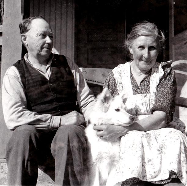 Bild från familjen Holmqvist, Bäckedalan 3, Ljungstorp - förmedlad 2013