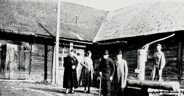 Bild från Skarke-Varnhems Hembygdsförenings bildarkiv, 2014.
