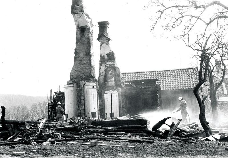I. 1 (2) Nohlgårdens nedbrunna bostadshus 1979.
