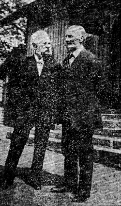 Två Varnhemspojkar, J. Aug. Lindqvist (t v) och Aug. Pettersson (t h) resp. 90 och 88 år gamla.