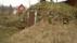 I öster nära huset ligger den gamla jordkällaren nära Vibonätt