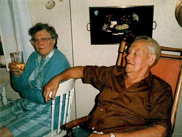 Vadet, Karl Axel Gustavsson och hans Lisa. Foto Gunborg Ferm, Ljungstorp.