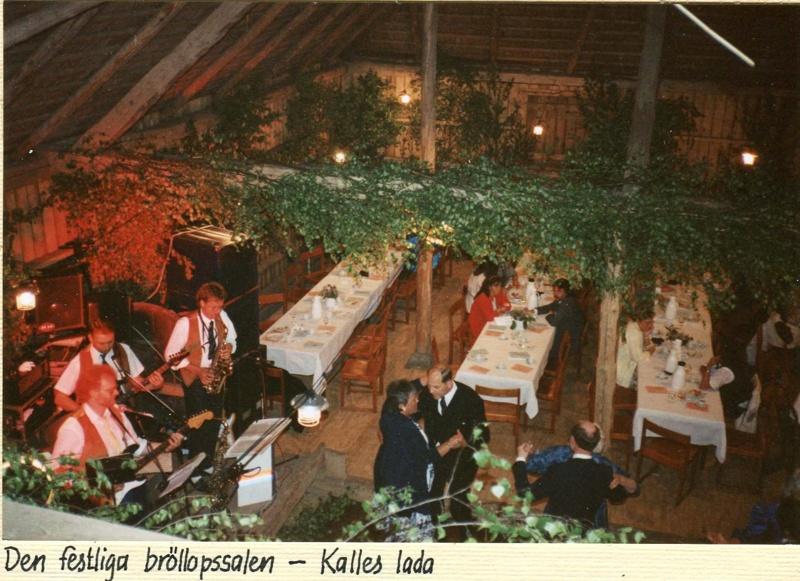 Camilla Ramviken har bröllopsfest i Kalles lada 3.6.1990