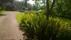 De forna åkermarkerna runt huset öppnar sig ännu.