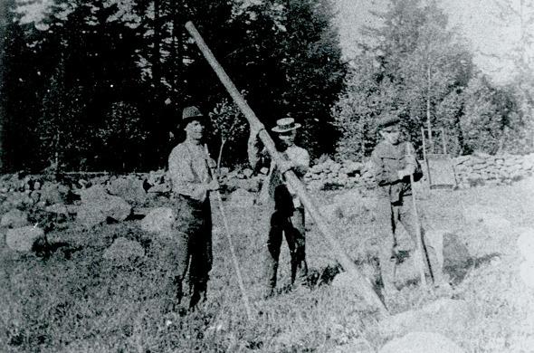 Foto tidigt 1900-tal, efter 1915, - från Astrid Åstrands samling via Jaen Friman, Ljungstorp, 2015 - Carls sons dotterson.
