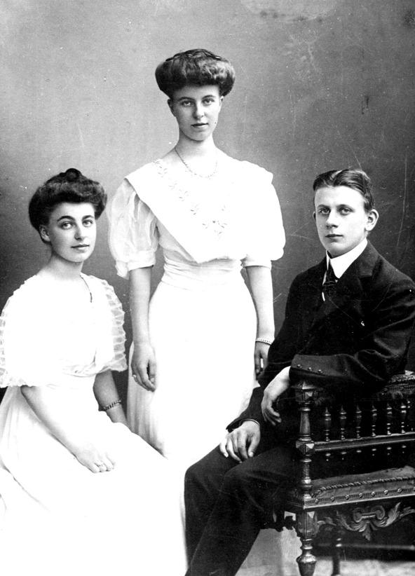 De äldsta barnen Ingrid, Herta och Edvin Högberg - bild från fam. Pettersson, Trollehöjd, 2014