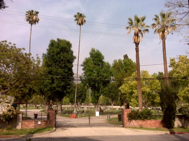 Entrance to Oscar Carlberg´s grave, Mountain View Cemetery, Glendale, California, USA. Photo Lisa Burks