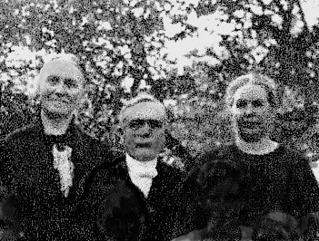 Syskonen Johansson: Tekla Johansson - till vänster. August Emanuel Johansson  - i mitten. Elisabeth Johansson - till höger