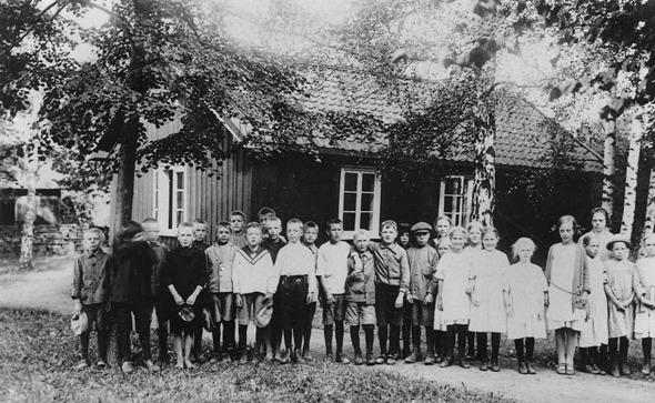 Foto från Skarke-Varnhems Hembygdsförenings Digitala Arkiv, www.varnhemshistoria.se