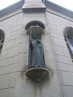 St Helena Kyrka, Skövde - St Elin i brons, Astri Taube, 1950