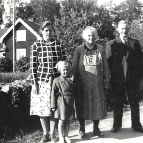 Ester  och dotter Britta Andersson, Anna o Theodor Krantz