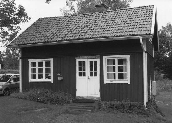 """Ur Varnhemsbygden 2010  """"Aspelund - en intägt i Ljungstorp"""" sid 47, artikel av Verna Andersson,Ljungstorp och Arne Sträng"""