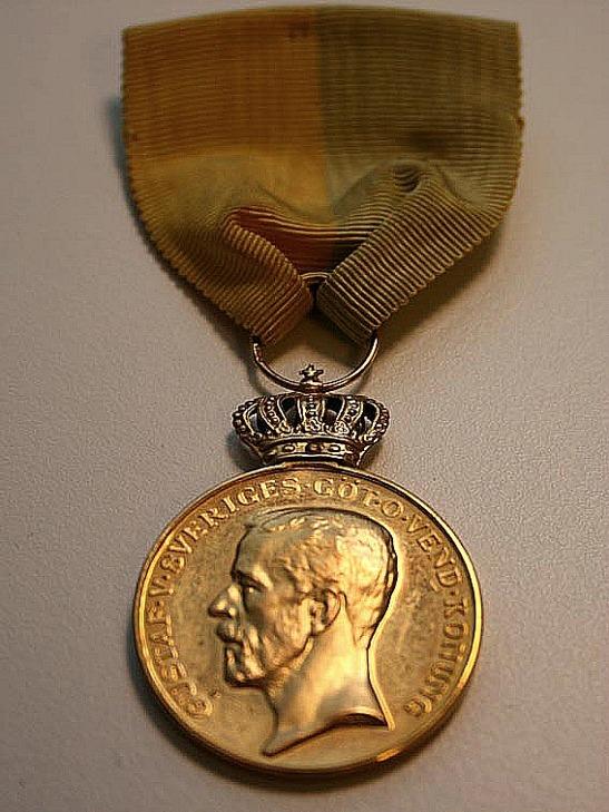 Bild av Kungliga Patriotiska Sällskapets mindre guldmedalj 1923