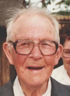 Bild på en åldrande Einar Dahlberg från Simon Jyrknäs