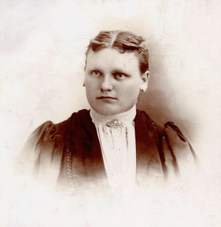 Bertha Hodgkinson Carlberg 1895, from Eric's collection, 2017