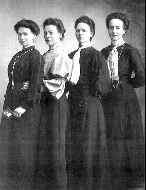 5 systdrar Gustafsson, fr v. Elin på foto i Christinas hand, Anna Lisa, Emelia och Ida