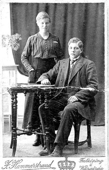 Ernst och hans syster Hildur f 28/9 1898