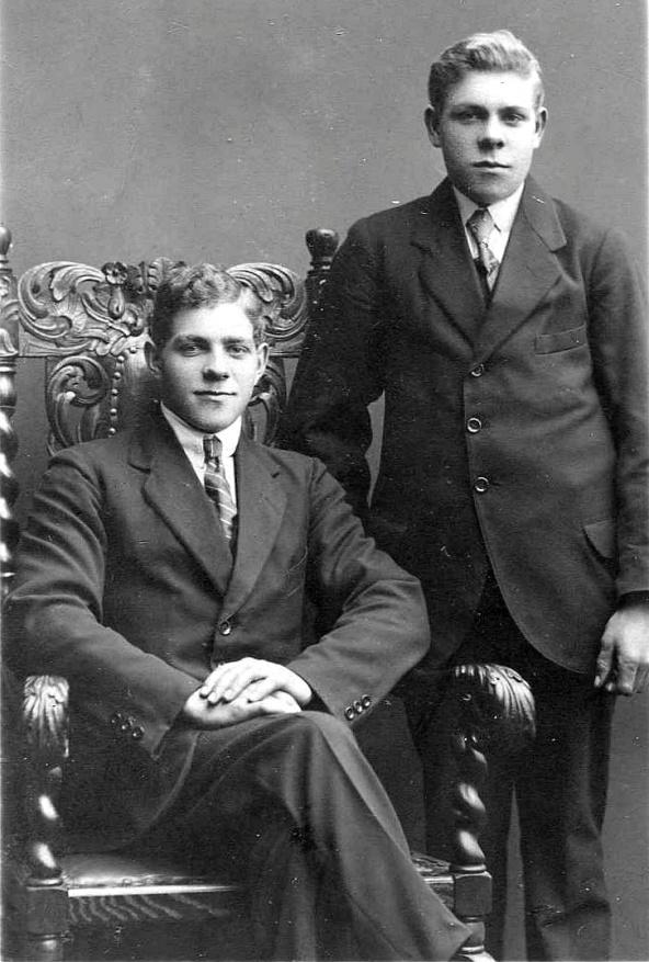 Ernst och Karl från 1923 innan Carls Candaresa