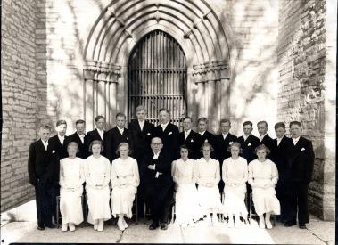 Olle konfirmerades 1938 i Varnhems kyrka av David Ahlner