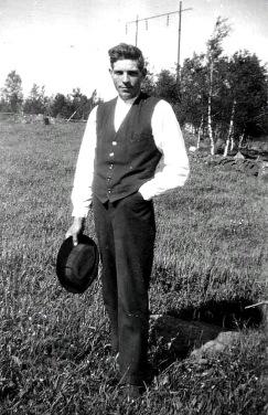 Ernst Andersson som egen småbrukare våren 1931