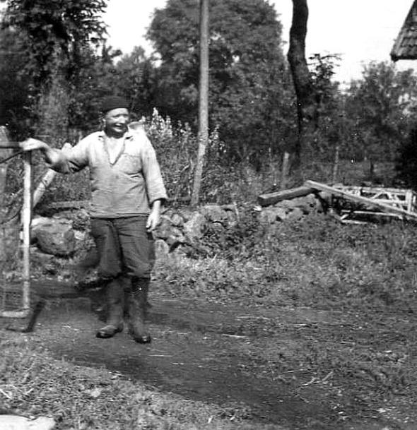 Löten Ambjörntorp 1953 Karl Johansson ägare av Ambjörntorp. Foto från Kjell Håkan Johanssons album