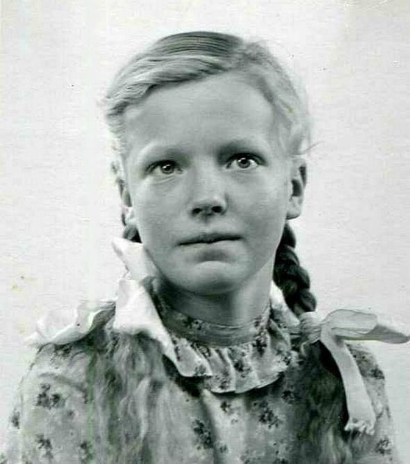 Ambjörntorp Ann-Marie Johansson  dotter till Karl o Ida Johansson.Foto från Kjell Håkan Johanssons album