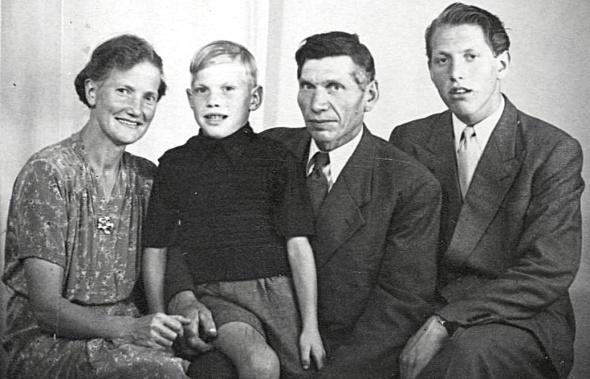 Familjen David Ekdal 1949 - foto från Petronella Erlandsson, 2018