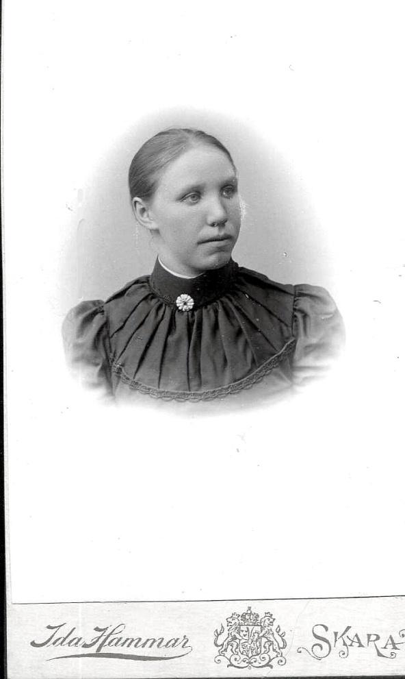 Matilda Larm som ung - foto från Petronella Erlandsson, 2018