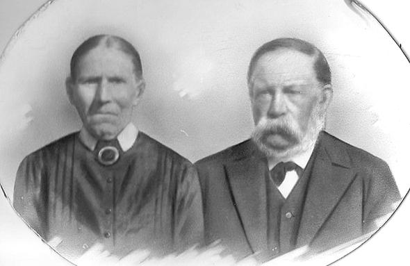 Ett foto som kom i Alf Hanssons hand med påskriften Karl och Lotta Jonsson, Ljungstorp har hittat sin plats i historien